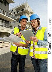 gebouw stek, werkende , ingenieurs