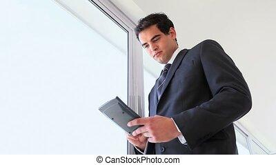 gebruik, video, rekenmachine, zakenman