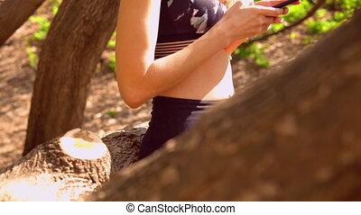 gebruiken, kletsende, beweeglijk, sportswoman, online, jonge, buitenshuis