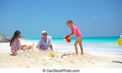 geitjes, gezin, twee, tropische , zand, vervaardiging, kasteel strand