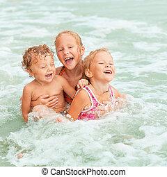 geitjes, strand, spelend, vrolijke
