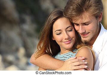 gevoel, liefde, paar omhelzend, romaans