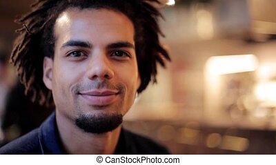 gezicht, amerikaan, glimlachende mens, afro, vrolijke