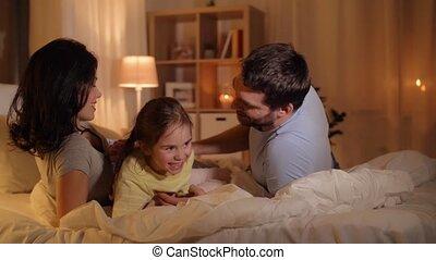 gezin, bed, plezier, thuis, hebben, vrolijke
