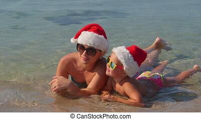 gezin, hoedje, kind, vakantie, tropische , kerstman, moeder, het genieten van, strand, kerstmis