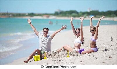 gezin, speelgoed, vader, zand, tropische , geitjes, kasteel strand, spelend, strand., vervaardiging