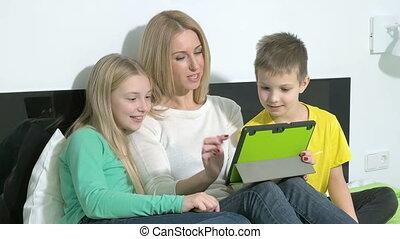 gezin, tablet, maken, jonge, toekomst, aantrekkelijk, gebruik, plannen