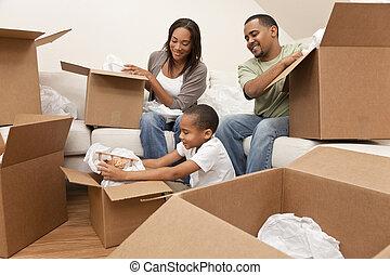 gezin, woning, amerikaan, dozen, verhuizing, afrikaan, uitpakken