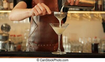 gieten, shaker, barman, cocktail, restaurant, alcohol, cocktail., voorbereiding, stap
