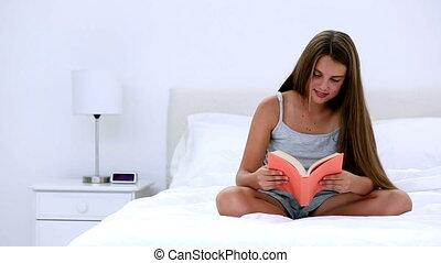 girl lezen, schattig, boek, bed