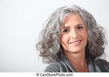 grijs-haired, vrouw, witte achtergrond