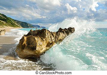 groot, brekende golf, hoog, verpulveren, zee, rotsen, strand