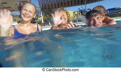 groot, gezin, pool, zwemmen