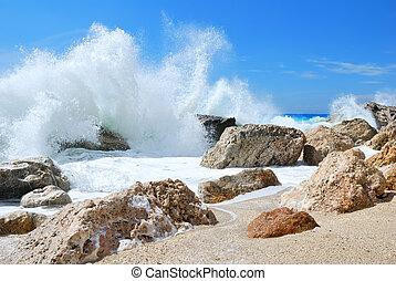 groot, het bespaten, golf, hoog, oever, zee, rotsen, op, spra