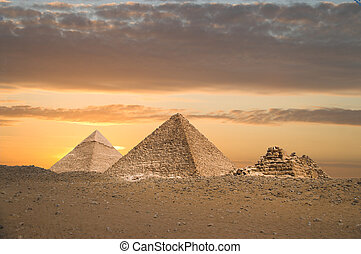 groot, piramides