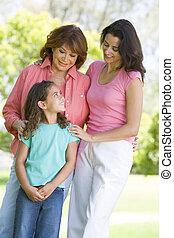 grootmoeder, dochter, volwassene, kleinkind