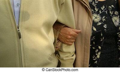 grootmoeder, houden, hand, grootvader