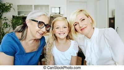 grootmoeder, verticaal, binnen, dochter