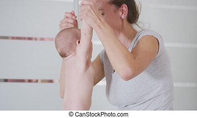 haar, child., pasgeboren, gezin, moeder, vasthouden, jonge, borst, baby., home., het voeden