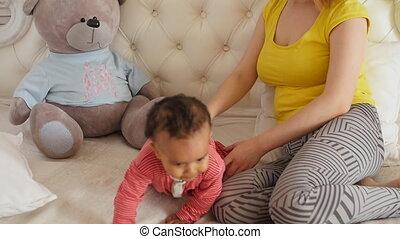 haar, jonge, baby, moeder, plezier, thuis, hebben