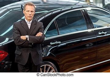 haar, liefde, auto, bovenzijde, cars., grijze , formalwear, het kijken, zeker, fototoestel, luxe, neiging, aanzicht, man