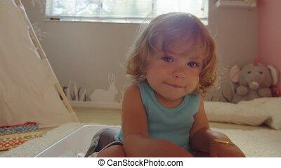 hand, blik, klein meisje, fototoestel, lens, glimlachen, deksels