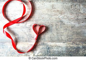 hart gedaante, rood lint