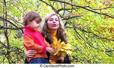 herfst, park, kinderen, moeder