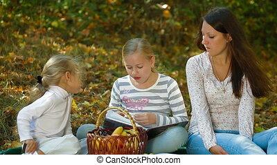 herfst, park, picknick, gezin