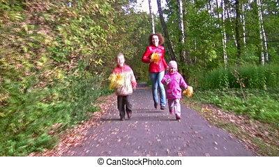 herfst, rennende , park, kinderen, moeder