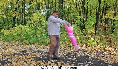 herfst, vader, park, spelend, baby
