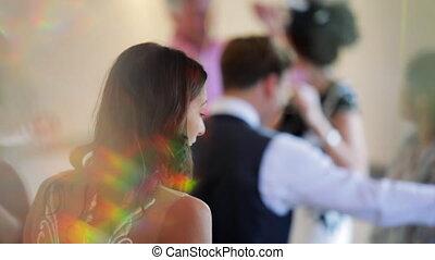 het dansen aaneen, trouwfeest