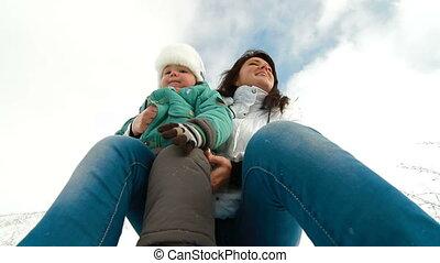 het genieten van, sneeuw, gezin
