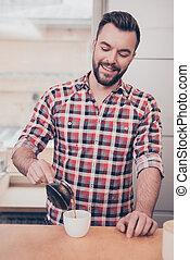 het glimlachen, koffie, barista, kop, gieten, mooi, verticaal
