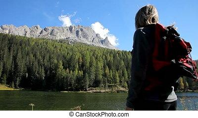 het kijken, bergen, vrouw