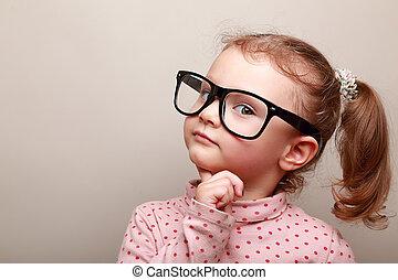 het kijken, dromen, meisje, geitje, smart, bril
