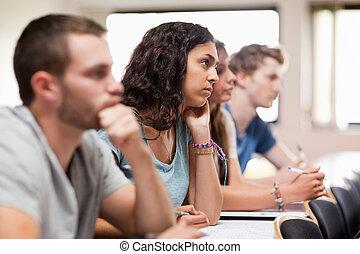 het luisteren, scholieren, spreker