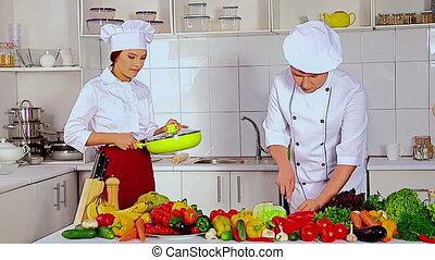 hoedje, professioneel, kok, het koken, vagetable, bemannen vrouw