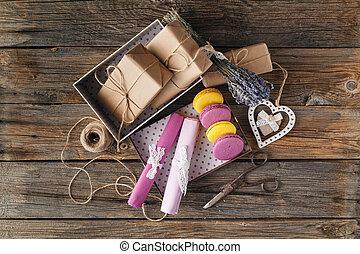 hoek, aanzicht, papier, vlakte, heart., kado, bruine , valentines, hoog, verpakte, dag