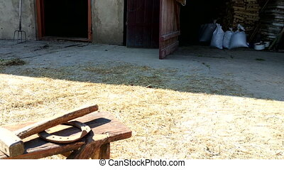 horseshoe., yard., hamer, landelijk