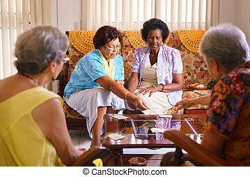 hospice, kaart gespeel, spel, vrouwen, senior