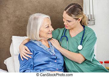 huisbewaarder, oude vrouw, vrouwlijk, het troosten