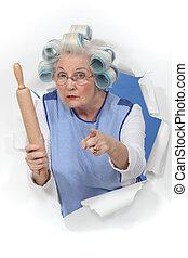 iemand, spelden, het dreigen, haar, oma, wikkeling, curlers