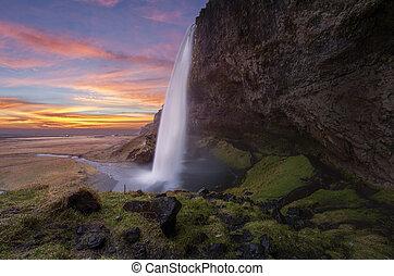 ijsland, seljalandsfoss, watervallen