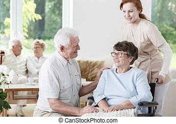 invalide, verpleegkundige, vrouw, steunen, senior