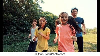 jogging, girls lopen, gelukkige familie, of, park, twee