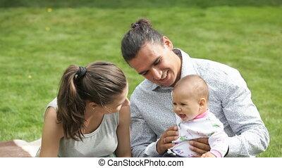 jonge familie, vrolijke