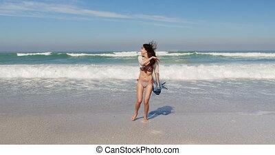 jonge, hebben, 4k, vrouw, plezier, strand