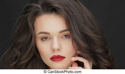 jonge vrouw , aantrekkelijk, blik