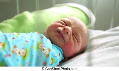 jongen, haar, hospital., huilen, bed, slapende, pasgeboren, moederschap